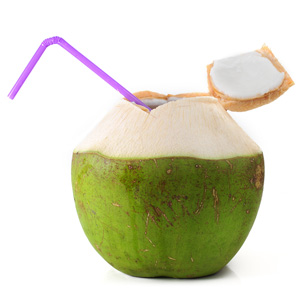 Voda z mladého zeleného kokosového orecha